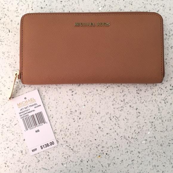 7f62590be813 Michael Kors Bags | Sale Bnwt Jet Set Travel Wallet | Poshmark